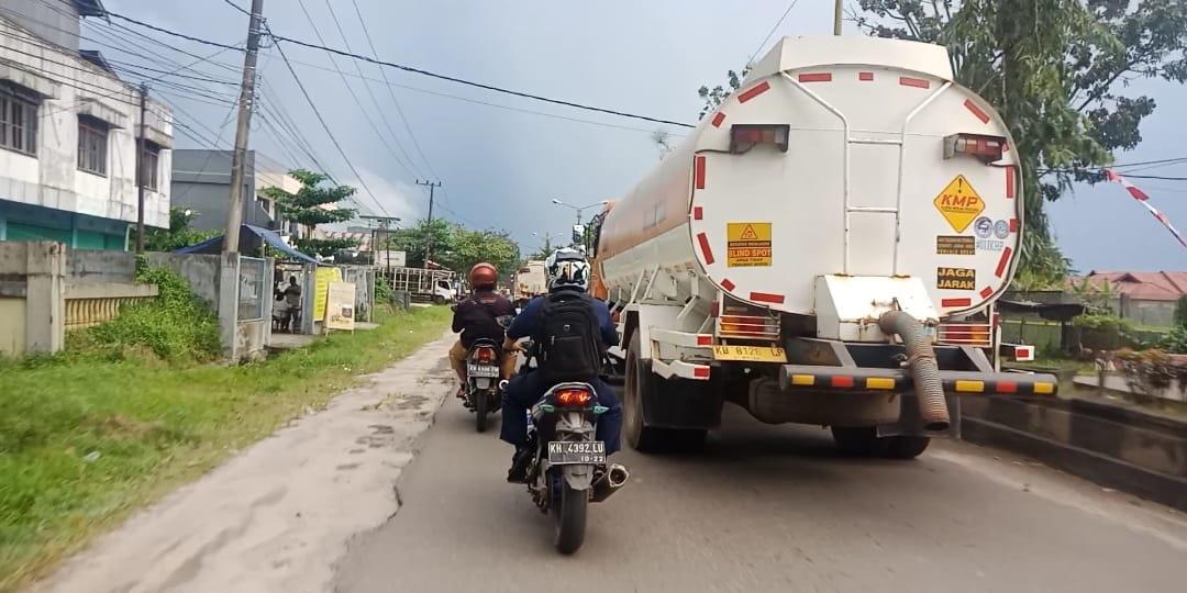 Jalan Sampit