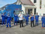 SIAP MENJALANKAN TUGAS : Plt Kepala Dinas Sosial Kalteng dr Rian Tangkudung MKes foto bersama Anggota Tagana Kalteng, di halaman Kantor Dinas Sosial Kalteng.