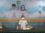 MEMBUKA: Wali Kota Palangka Raya Fairid Naparin (tengah) saat membuka kegiatan orientasi dan sosialisasi kepada pemuka agama pengurus masjid, langgar, musala di GPU Palampang Tarung,