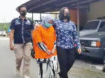 Tersangka Nurviati digiring anggota Satresnarkoba Polres Kapuas