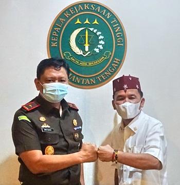 Anggota Komisi III DPR RI H Agustiar Sabran bersama Kajati Kalteng