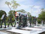 Pemakaman Sabran Achmad dilaksanakan secara militer di TMP Sanaman Lampang