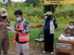 PERNYATAAN: Pelanggar prokes yang terjaring operasi yustisi mendapatkan tindakan sanksi dari Satgas Percepatan Penanganan Pandemi Covid 19 kabupaten Pulang Pisau.FOTO:GITO