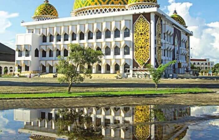 Setelah tahun lalu tak dibolehkan menggelar salat Id, tahun ini Masjid Raya Darussalam dan masjid-masjid lainnya sudah diizinkan