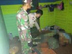 CEK TKP: Polisi dan TNI ketika melakukan pengecekan di lokasi kejadian terjadinya gantung diri, Senin (7/6/2021). POLSEK ARUTA