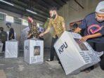 KPU melakukan pendistribusian logistik ke seluruh kecamatan se-Kota Palangka Raya