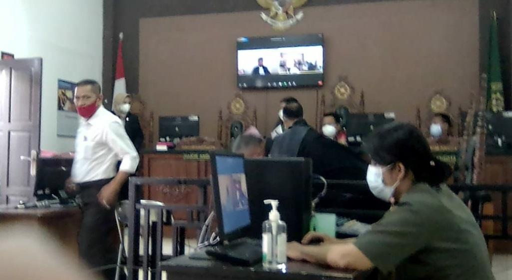 Kisah Asmara di Balik Perkara Hukum Bahtiar Effendi