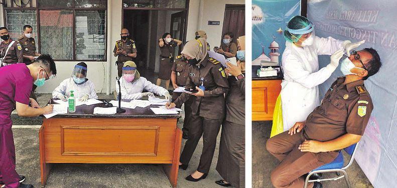 TES ANTIGEN: Pegawai Kejaksaan Tinggi Kalteng melaksanakan rapid tes antigen di Halaman Kantor Kejati, Senin (12/07/2021).