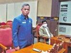 RAPAT: Anggota Komisi I DPRD Kabupaten Kotim Ir.SP Lumban Gaol saat mengikuti rapat paripurna belum lama ini