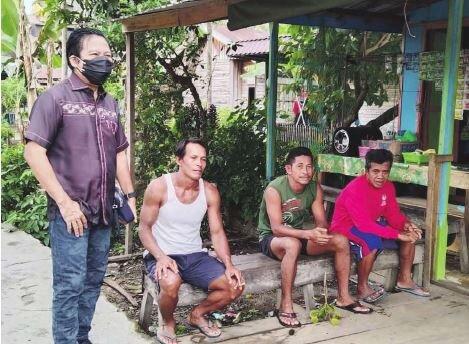 SERAP ASPIRASI: Anggota DPRD Kapuas, Algrin Gasan, berkunjung ke desa-desa yang ada di dapil II, beberapa waktu lalu.