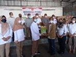 Salurkan Ratusan Ton Bantuan Sembako ke 5 Kabupaten Terdampak Banjir